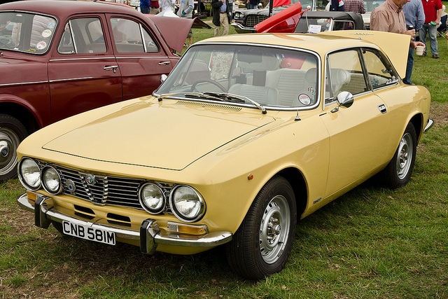 Showing Off - The Alfa Romeo 1974 GTV
